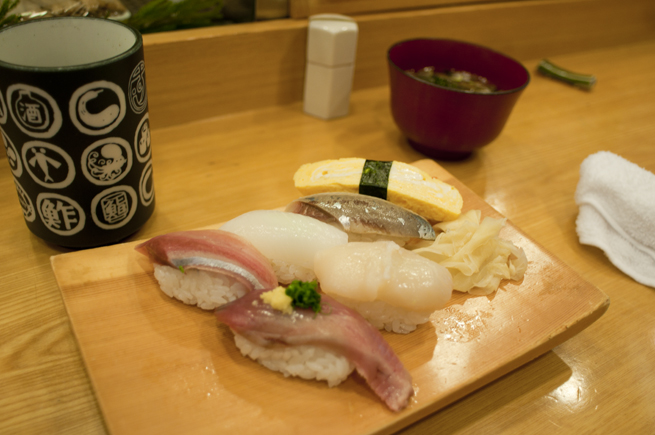 追加されるお寿司