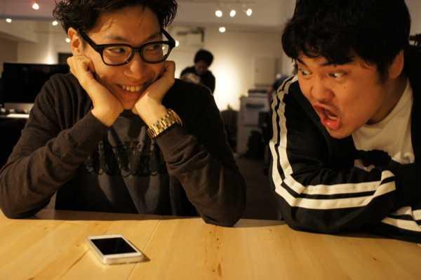 iPhone5を買ったカズキとうらやましがる段田
