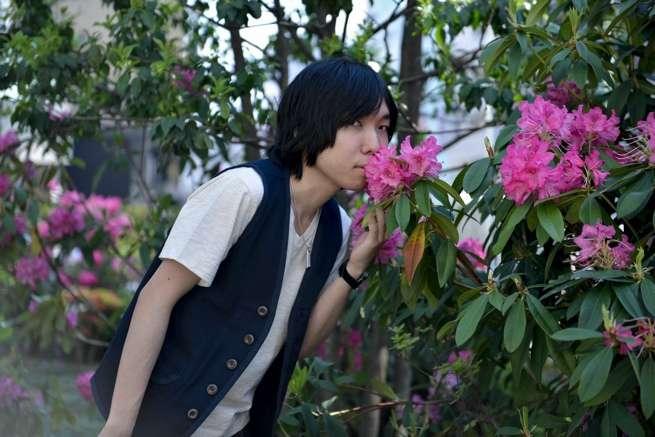 ぼくは薔薇よりも美しい……。この花は、薔薇じゃないけどね。