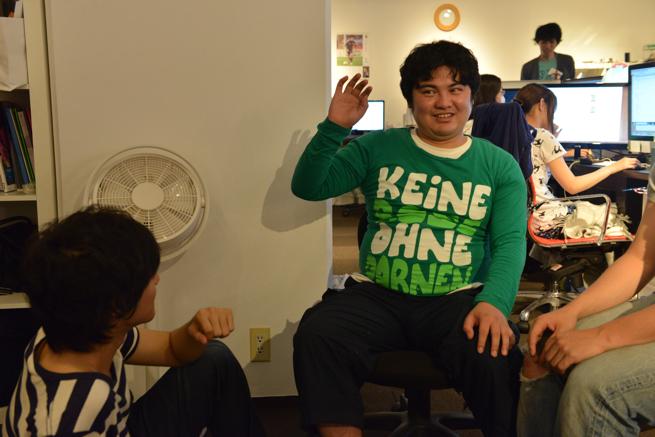 ※緑の服は副社長のものです。