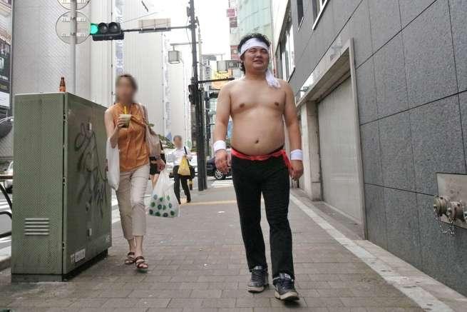 渋谷の街は暖かいぜ。夏だし。