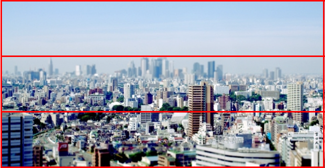 青空と都会の街並みの写真を「三分割構図のイメージ」と重ね合わせて解説している画像