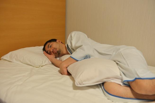 横向けに寝る人は多い