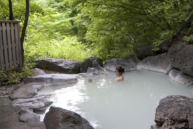 五色温泉の露天風呂の写真