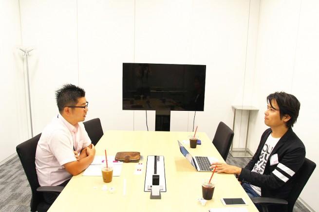 左:Samsung Product Group 待場さん / 右:IoTNEWS編集長 小泉耕二