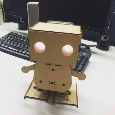 ツイートを大声で勝手に読み上げる悪魔のロボット