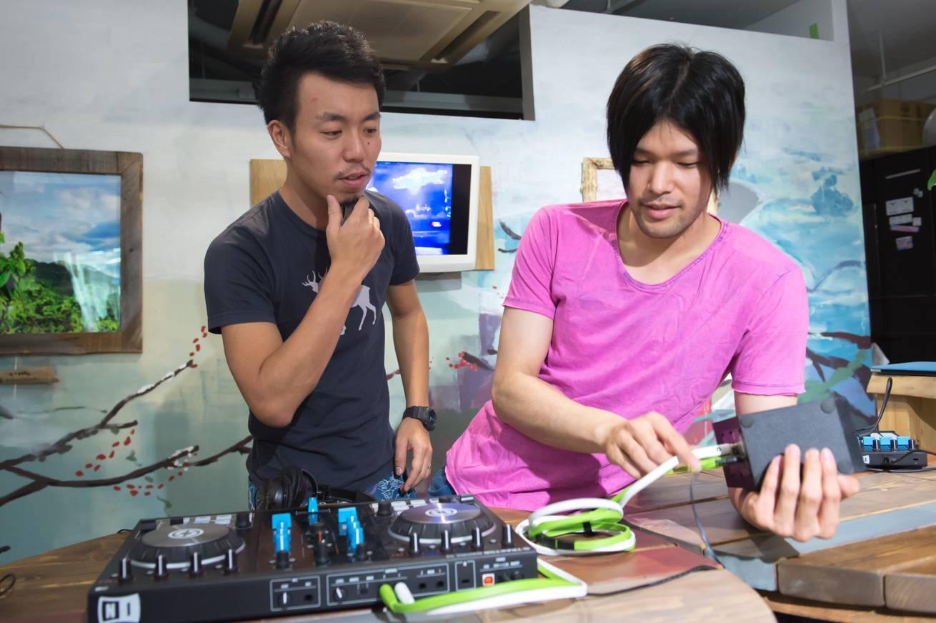 DJ-14