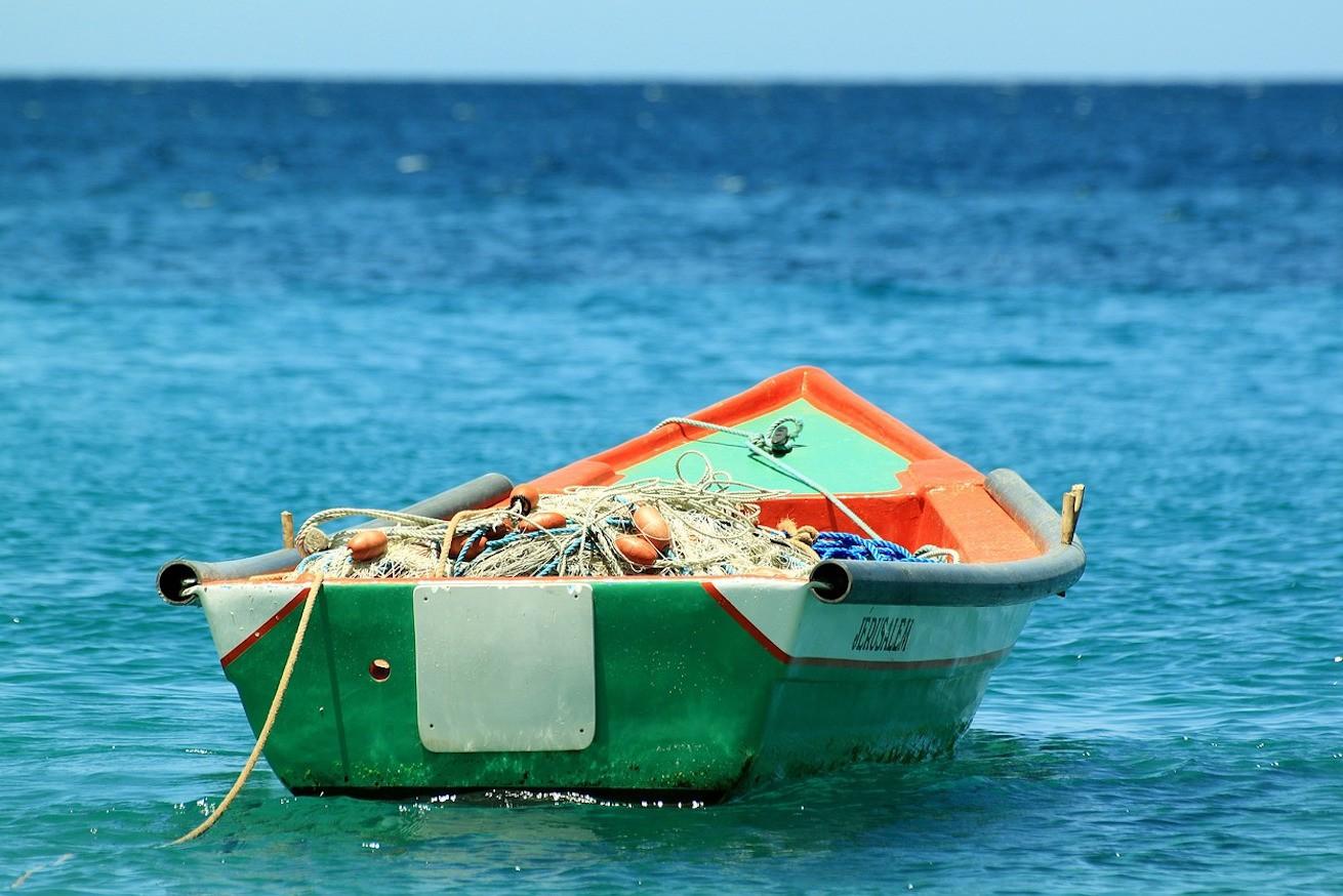 boat-207129_1280