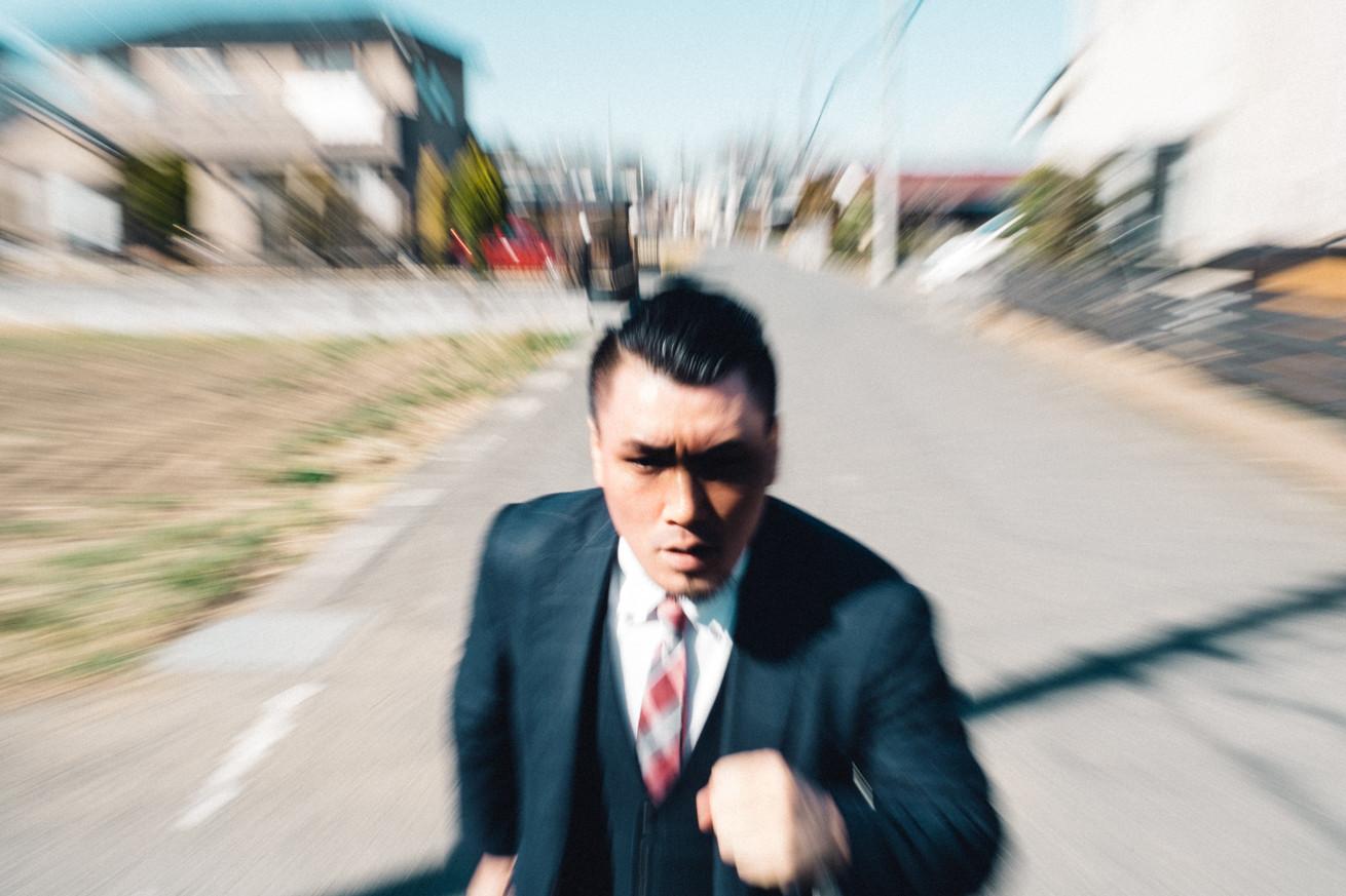 全国建物診断サービスの担当者を問い詰めにいく走るジョニー