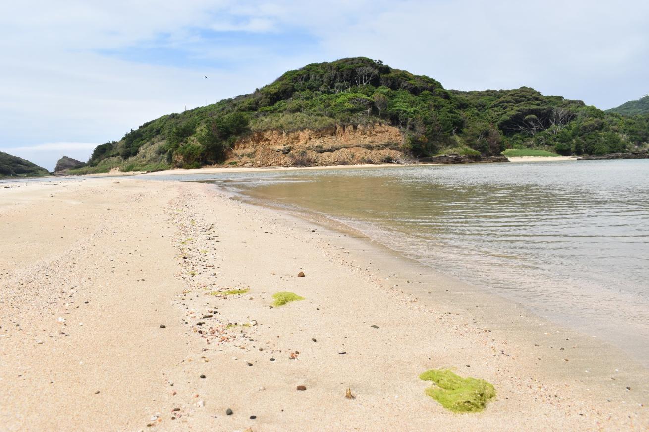 壱岐の辰の島の海水浴場の写真
