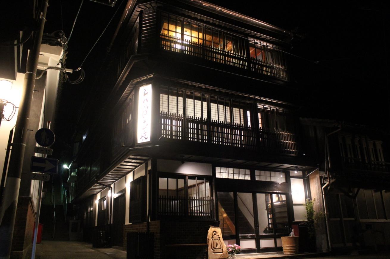 LAMP壱岐の夜の外観の写真