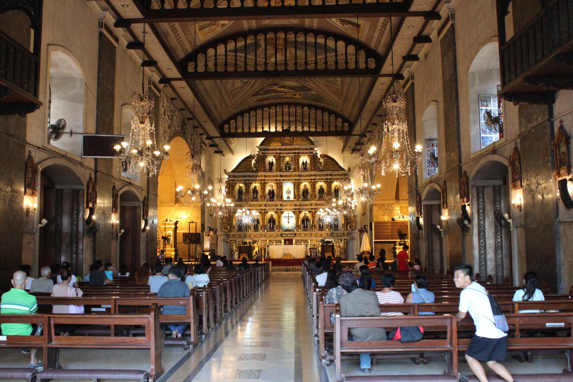 サントニーニョ教会の内部