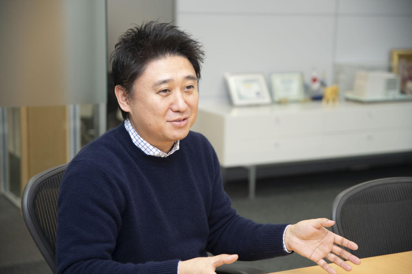 質問を受ける中村さん