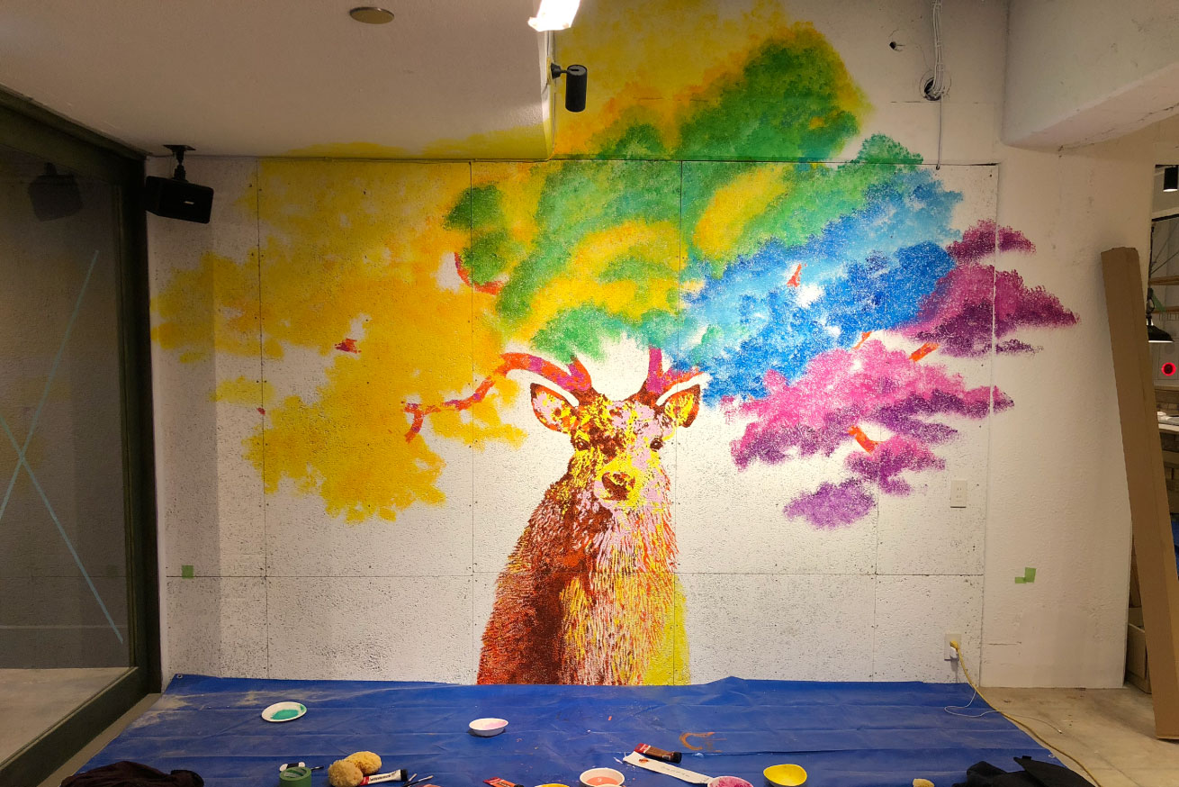 アート事業部の鹿盆栽壁画