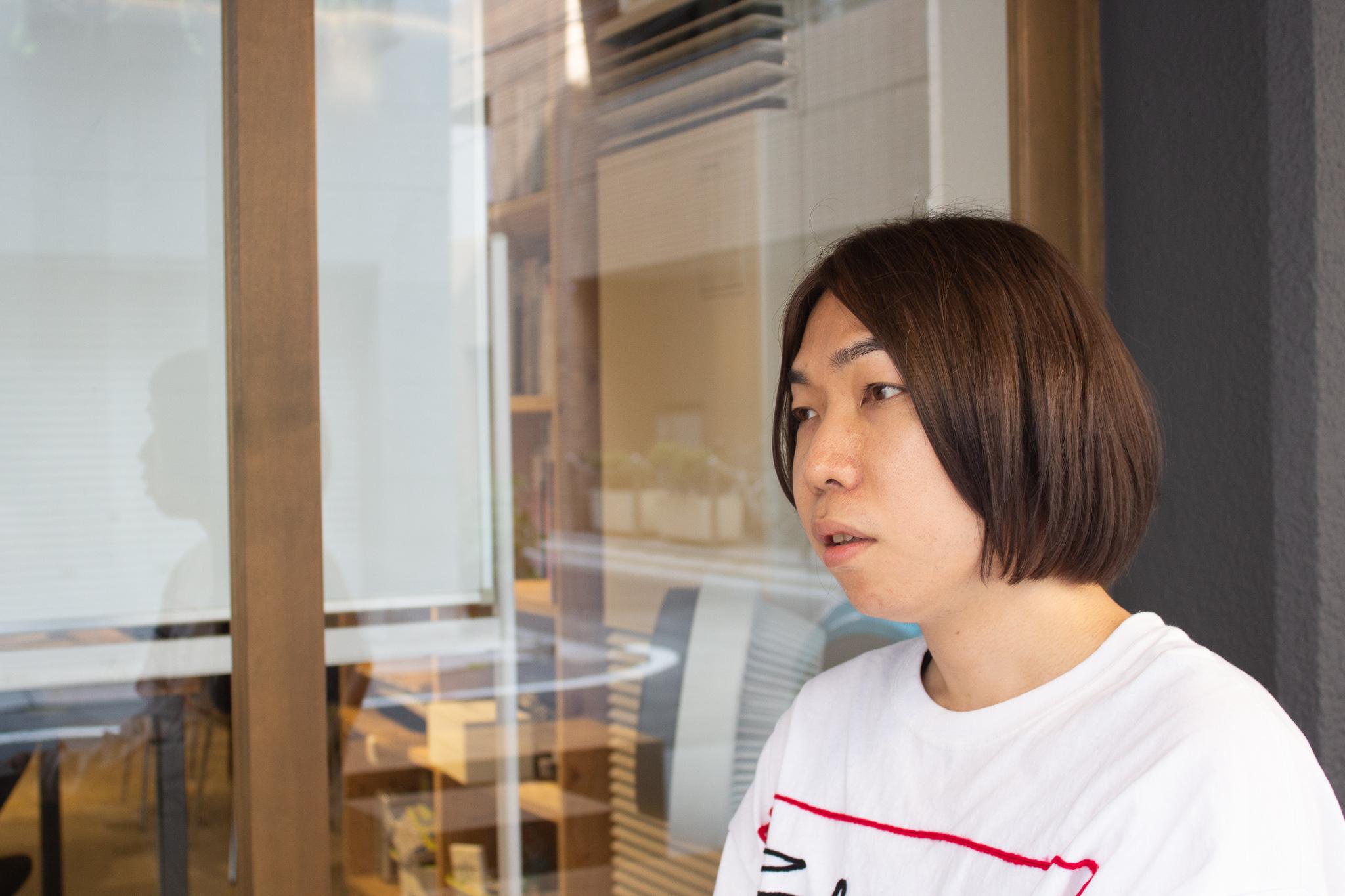 芥川賞の意義を語る菊池さん