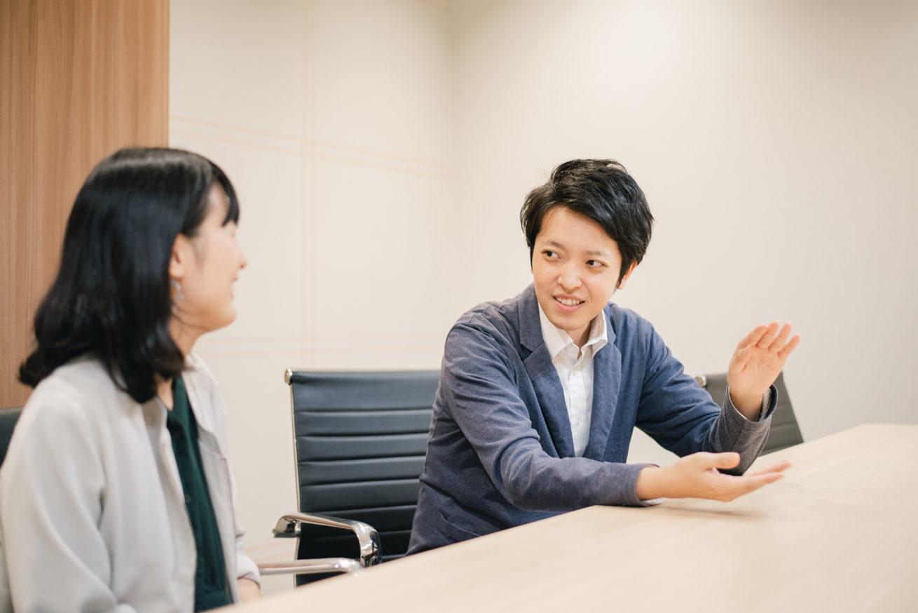 吉野さんと話すバンビ(別アングル)