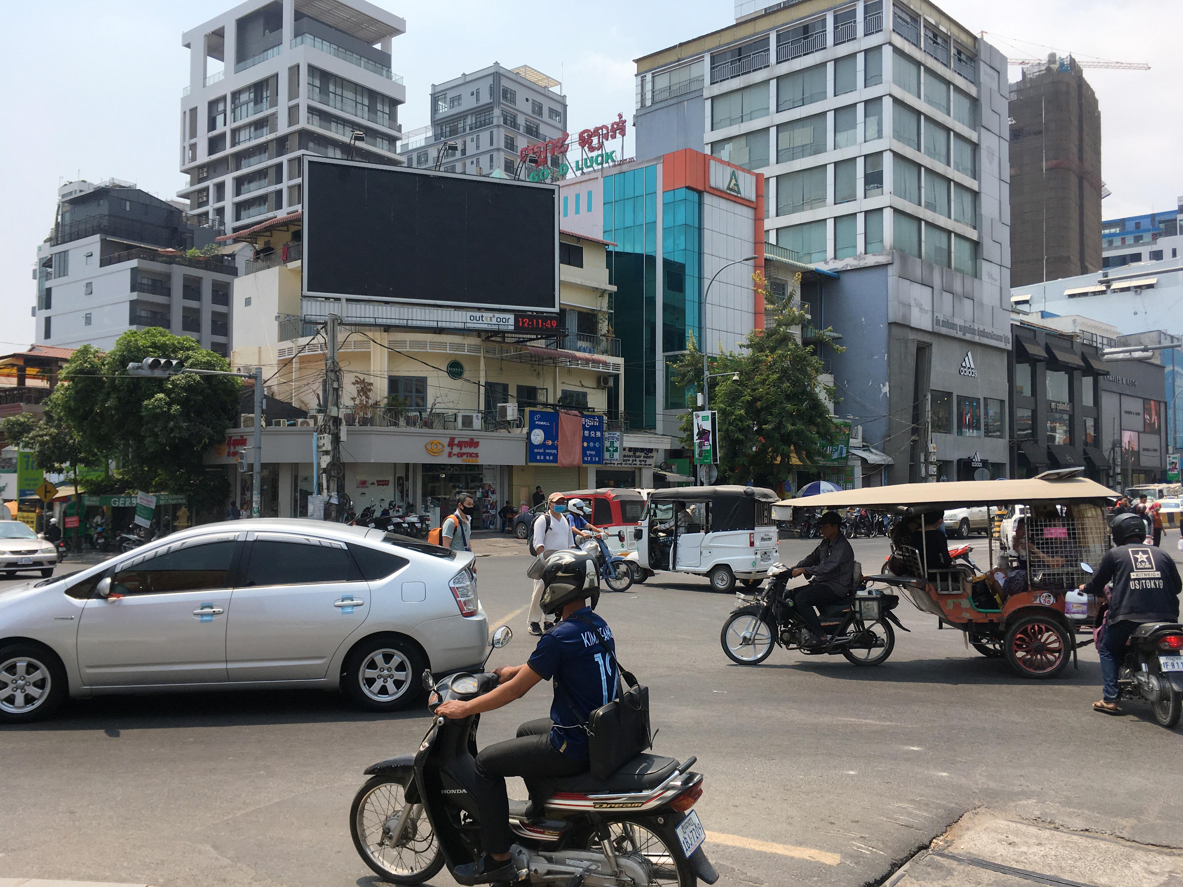 カンボジアの街自体は不穏な空気を全く感じないほど平和(ただし、ひったくりには要注意)。