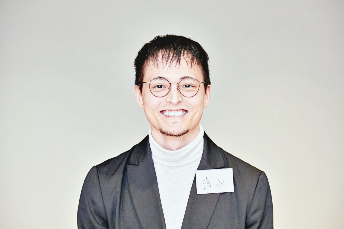 清水さんの笑顔(正面)